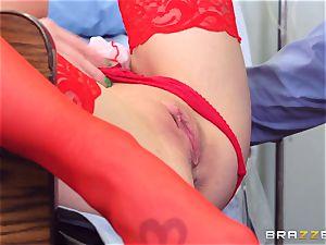 dirty nurse Shawna Lenee drills a docs ample knob