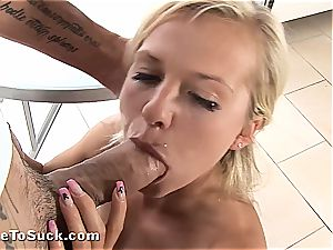 fad and Alexis Crystal have a bounty for sucking weenie