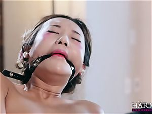 milky woman witnesses as her ebony gimp punishes asian maid