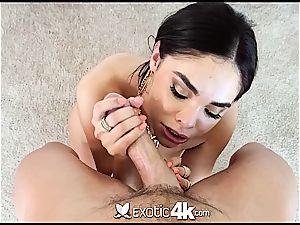 Selena Rose shakes ass on a stiff shaft