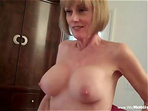 two peckers For fledgling GILF mommy