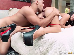 buxom nurse Alexa Pierce pounds her horny patient