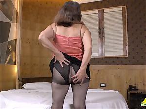 LatinChili Fatty grannie Brenda playing