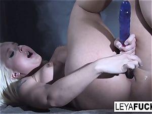 Leya Falcon sticks lovemaking toys in both her crevasses