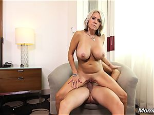 large mammories mummy gets anal penetrate and facial cumshot