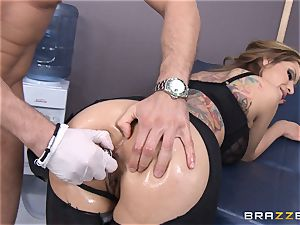 Yurizan Beltran gives this doctor a bday introduce