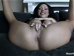 tattooed up Mason Moore fingers her labia on the bed