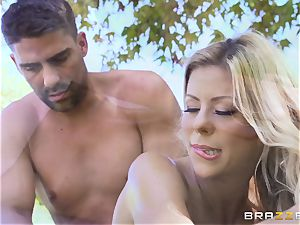Alexis Fawx getting an outdoor bang and rubdown