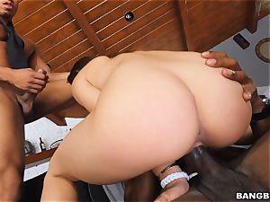 thick black 3some for Sara Luvv