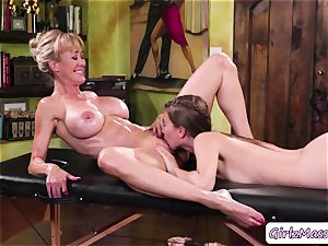masseuse Jill Kassidy massage Brandi love figure and munches her moist cunt