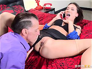 Kalina Ryu romped by her manager as she converses to her boyfriend