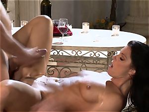 India Summers India Summers is enjoying the ginormous chisel pleasuring her molten cunt har