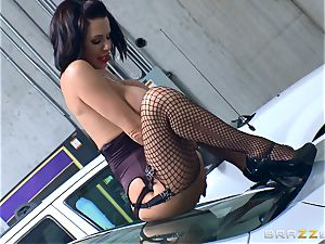 ultra-kinky mature Veronica Avluv bent over and poked