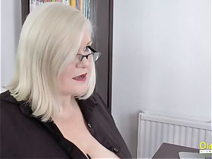 OldNannY Lacey Starr and Polynesian girly-girl