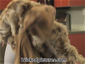 Russian bride Lea Lexus bags herself a spouse