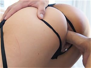 super-fucking-hot cougar Jasmine Jae pounded deeply by phat stiffy