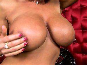handsome Lisa Ann unsheathes her fat succulent bosoms